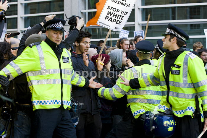 Riot police on the student protest about the rise in university tuition fees. - Jess Hurd - 2011-11-09