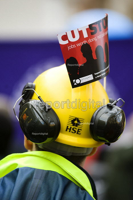 Strike by public sector workers over pensions. London. - Jess Hurd - 2011-11-30