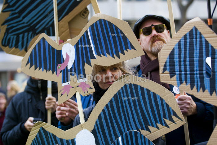 Vultures in pinstripped suits. Strike by public sector workers over pensions. London. - Jess Hurd - 2011-11-30