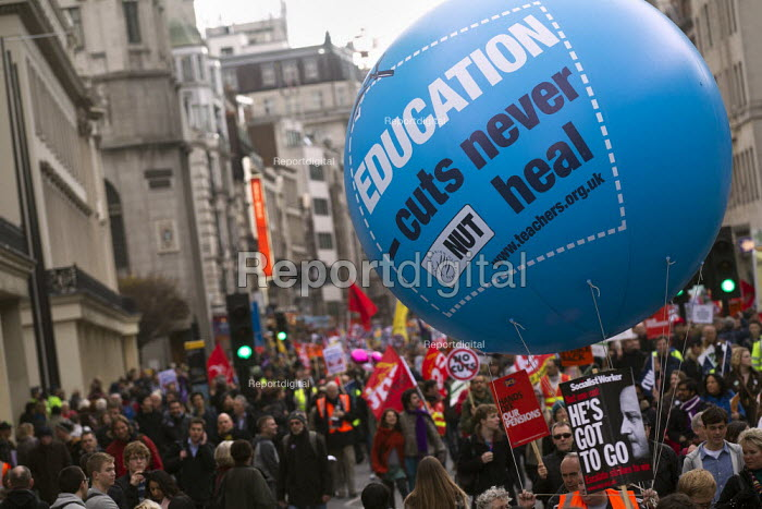 NUT. Strike by public sector workers over pensions. London. - Jess Hurd - 2011-11-30