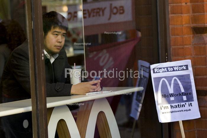 Right to Work protest against Workfare, the new unemployment scheme, McDonald's restaurant. Oxford Street, London. - Jess Hurd - 2012-02-25