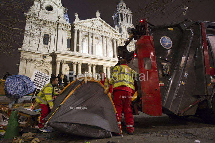 Council workers clear away tents. Occupy LSX eviction, St. Pauls Cathedral. London. - Jess Hurd - 2012-02-28