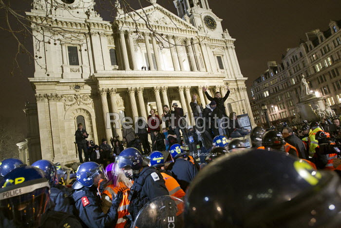 Occupy LSX eviction, St. Pauls Cathedral. London. - Jess Hurd - 2012-02-28