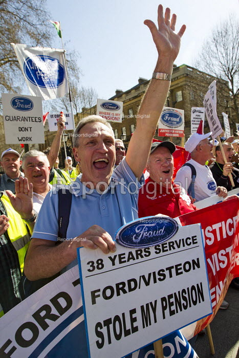 Ford Visteon workers opposite Downing St support the teachers and lecturers march for fair pensions through Central London. - Jess Hurd - 2012-03-28