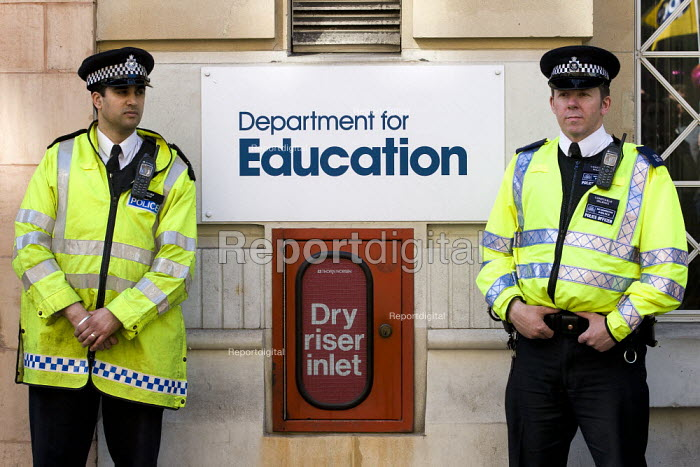 Police outside the Department of Education as teachers and lecturers march for fair pensions through Central London - Jess Hurd - 2012-03-28