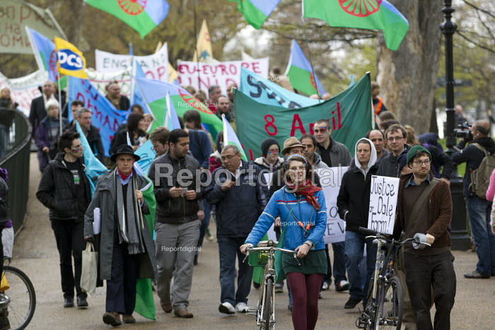 Dale Farm and Roma supporters march on Romani Nation Day. Hyde Park, London. - Jess Hurd - 2012-04-08
