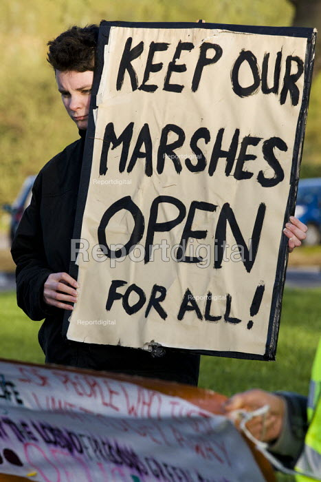 Protestors at the Leyton Marsh anti olympic protest camp. Hackney, East London. - Jess Hurd - 2012-04-10