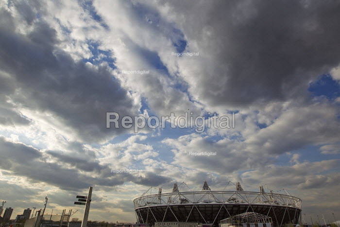 View of the Olympic stadium, Olympic Park, Stratford. East London. - Jess Hurd - 2012-04-16