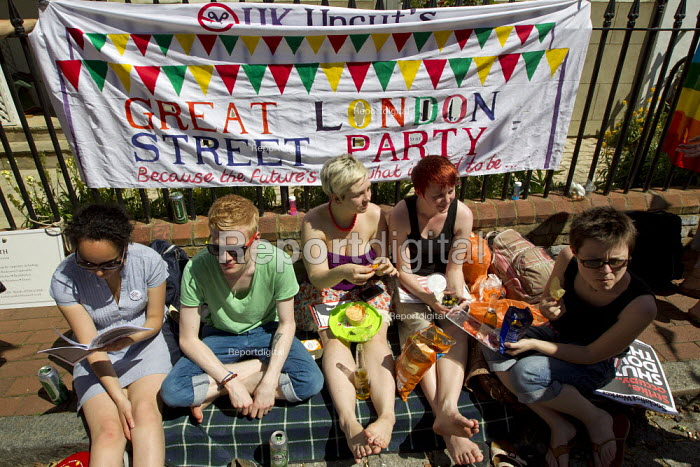 UK Uncut Great London Street Party outside Nick Clegg MP's London home. Putney. - Jess Hurd - 2012-05-26