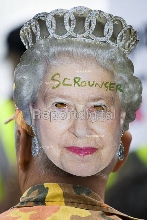 Scrounger. The Queen's Thames Diamond Jubilee Pageant. Republican protest, City Hall, London. - Jess Hurd - 2012-06-03