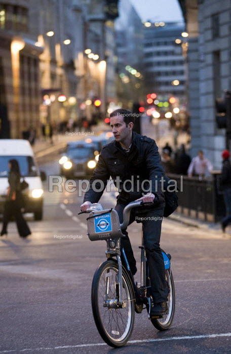 Barclays Cycle Hire scheme. Bank of England, London. - Jess Hurd - 2012-01-20