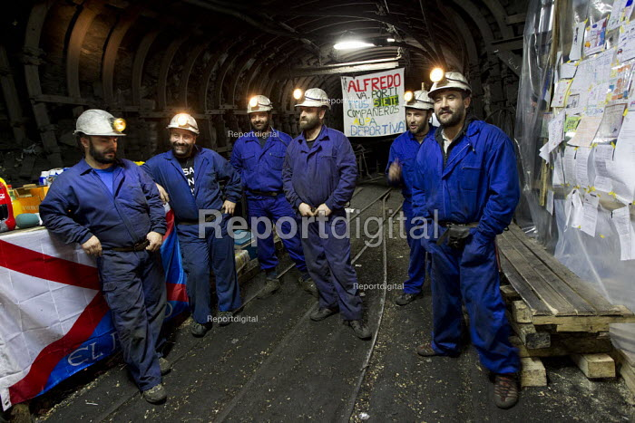 Santa Cruz de Sil - miners have been occupying 3kms down in the mine for a month. The miners have been on strike since the government announced cuts to mining subsidies due to austerity cuts which will mean an end to mining. Leon, Northern Spain. - Jess Hurd - 2012-06-21