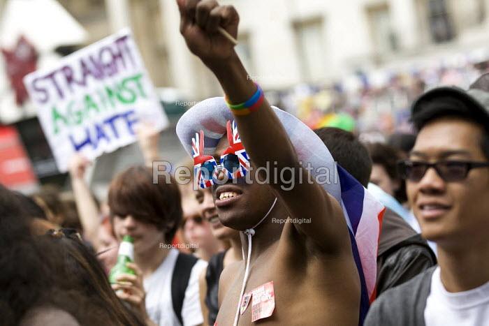 Union jack sunglasses at World Pride 2012, Trafalgar Square. London. - Jess Hurd - 2012-07-07