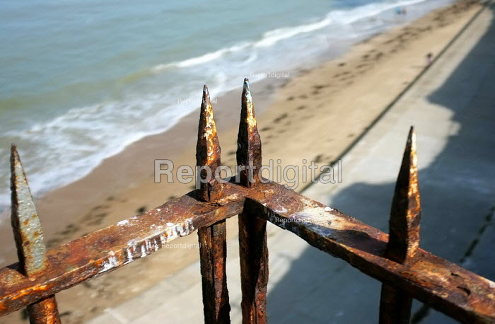Rusty Victorian railings on Margate beach, Kent. - Jess Hurd - 2012-09-15