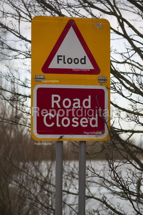Flooding in Whittlesey, Fenland, Cambridgeshire. - Jess Hurd - 2012-12-26