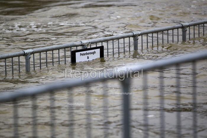 Flooding of the River Nene, Orton Lock, Peterborough, Cambridgeshire. - Jess Hurd - 2012-12-26