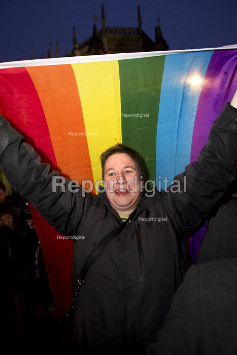 Gay rights campaigners wait for Parliament to vote on same-sex marriage legislation. Westminster, London. - Jess Hurd - 2013-02-15