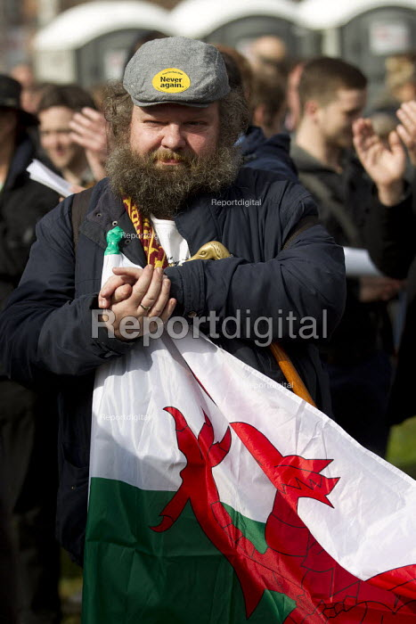 Anti fascists protest against far right extremists celebrating Worldwide White Pride Day, Swansea, Wales. - Jess Hurd - 2013-03-09
