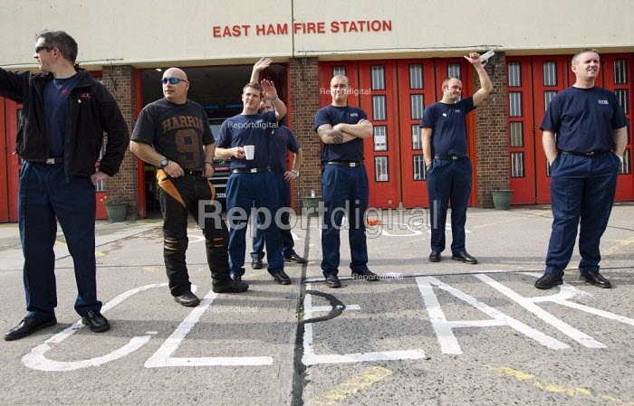 FBU 4 hour strike over firefighters pensions and retirement age. East Ham Fire Station, Newham, East London. - Jess Hurd - 2013-09-25