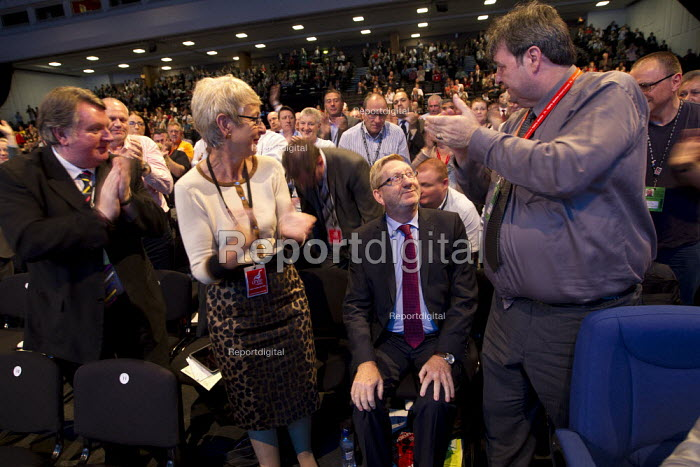 Len McCluskey, Unite Gen Sec receiving a standing ovation. Labour Party Conference 2013. Brighton. - Jess Hurd - 2013-09-23