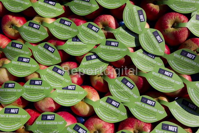 NUT apples. Liberal Democrats Conference, Glasgow. - Jess Hurd - 2013-09-14