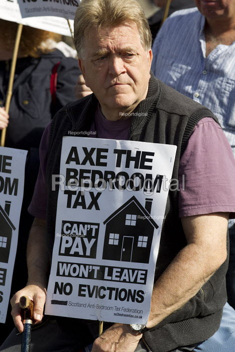 Axe the bedroom tax protest outside Liberal Democrats Conference, Glasgow. - Jess Hurd - 2013-09-14