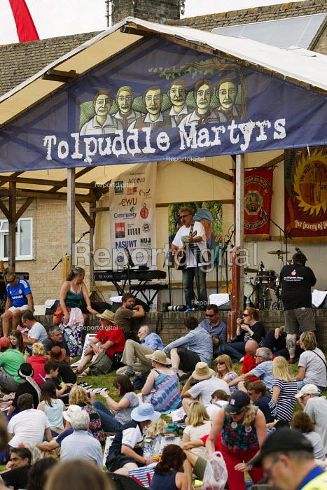 Robb Johnson. Tolpuddle Martyrs Festival. Dorset. - Jess Hurd - 2014-07-19