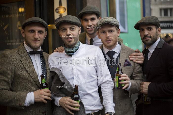 Sunday tweed drinkers. Oxford Street. London - Jess Hurd - 2014-10-12