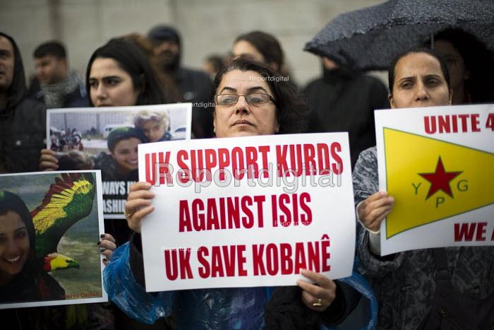 Kurds protest in support Kobane against ISIS attack, Trafalgar Square. - Jess Hurd - 2014-10-09