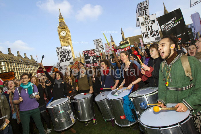 Thousands of students march against debt and for free education, London. - Jess Hurd - 2014-11-19