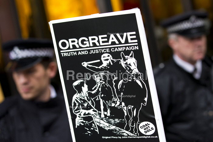 Orgreave Truth and Justice Campaign hold a demonstration at the office of the Independent Police Complaints Commission. Campaigners are angry with delays to the investigation into allegations of violent policing at the Orgreave coke plant during the miners strike on 18 June 1984 - Jess Hurd - 2014-11-14