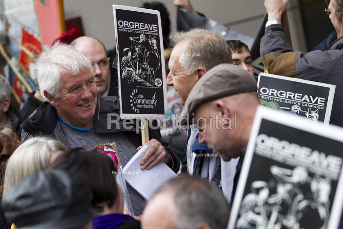 Mike McColgan Solicitor and John Booth, Orgreave Truth and Justice Campaign protest at the office of the Independent Police Complaints Commission. Campaigners are angry with delays to the investigation into allegations of violent policing at the Orgreave coke plant during the miners strike on 18 June 1984 - Jess Hurd - 2014-11-14