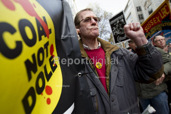 Orgreave Truth and Justice Campaign protest at the office of the Independent Police Complaints Commission. Campaigners are angry with delays to the investigation into allegations of violent policing at the Orgreave coke plant during the miners strike on 18 June 1984 - Jess Hurd - 2014-11-14
