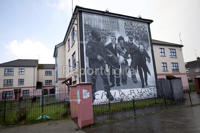 Bloody Sunday civil rights memorial. Derry, Northern Ireland. - Jess Hurd - 2015-01-30