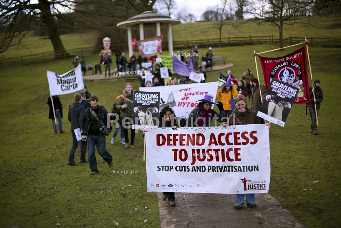 Defend the Magna Carta. Justice Alliance, Relay for Rights along the Thames from Runnymede, the birthplace of the Magna Carta to the Global Law Summit. Against cuts to legal aid. Surrey. - Jess Hurd - 2015-02-21