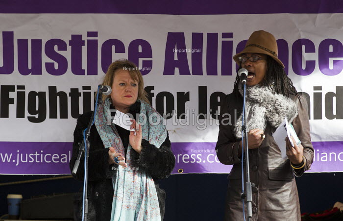 Deborah Coles and Marcia Rigg. Defend the Magna Carta. Justice Alliance, Relay for Rights along the Thames from Runnymede, the birthplace of the Magna Carta to the Global Law Summit. Against cuts to legal aid. London. - Jess Hurd - 2015-02-23