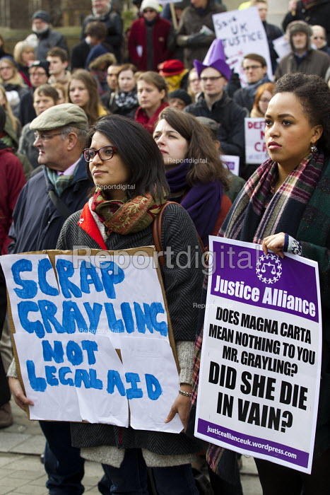 Defend the Magna Carta. Justice Alliance, Relay for Rights along the Thames from Runnymede, the birthplace of the Magna Carta to the Global Law Summit. Against cuts to legal aid. London. - Jess Hurd - 2015-02-23