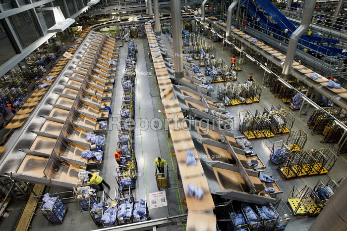 Royal Mail Heathrow Worldwide Distribution Centre, Slough. - Jess Hurd - 2012-11-06