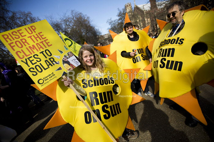 Schools run on Sun. Time to Act! Climate Change National Demonstration. London. - Jess Hurd - 2015-03-07