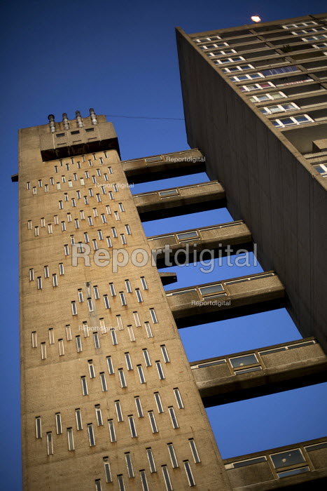 Balfron Tower, a 1967, 27-storey residential building designed by architect, Erno Goldfinger in Poplar, East London. An example of Brutalist architecture. Originally social housing, it is now run by Poplar HARCA, a housing association who plan to refurbish and gentrify the iconic tower block. - Jess Hurd - 2015-03-06