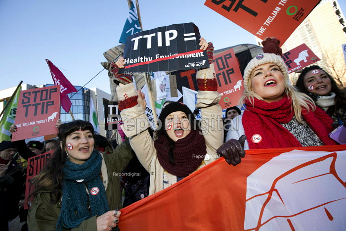 No TTIP campaigners lobby outside the European Commission, Brussels, Belgium. - Jess Hurd - 2015-02-04