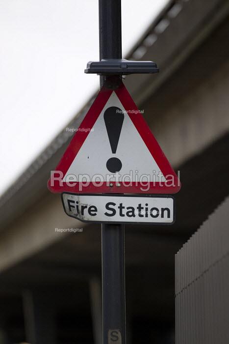 Fire station warning sign. Paddington Fire Station. London. - Jess Hurd - 2015-03-24