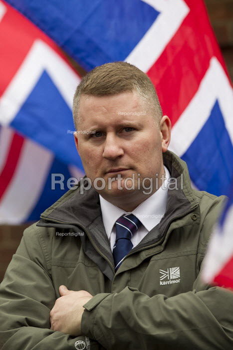 Paul Golding with supporters of Britain First and EDL gather to oppose Anjem Choudary, whose group hands out leaflets urging Muslims not to vote. Central London mosque. Regents Park. London. - Jess Hurd - 2015-04-03