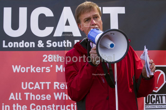 Stephen Timms MP. International Workers Memorial Day rally beside the Building Worker statue, Tower Hill, London. - Jess Hurd - 2015-04-29
