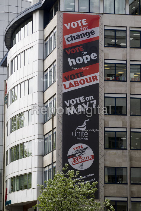 Vote Labour - Unite the Union HQ. May Day, International Workers Day protest. London. - Jess Hurd - 2015-05-01