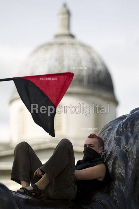 Anarchist. May Day, International Workers Day protest. Trafalgar Square, London. - Jess Hurd - 2015-05-01