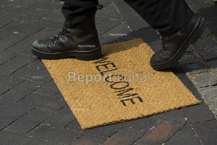 Welcome mat. UKIP election campaigning against Nigel Farage in Thanet. - Jess Hurd - 2015-05-02