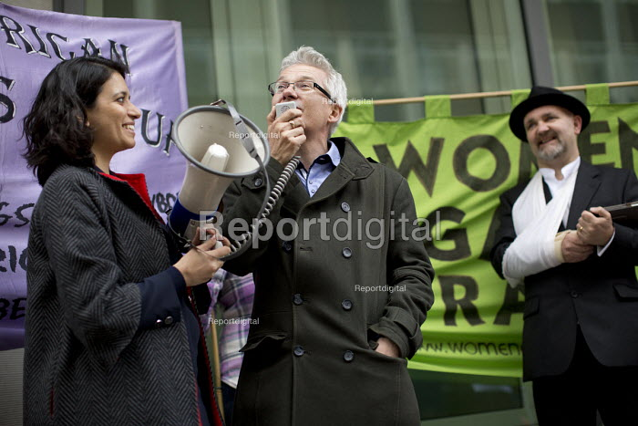 Dean Roberts NAPO. Farewell Party for Puppet Chris Grayling at the Ministry of Justice. Against the reorganisation of criminal defence Organised by the Justice Alliance. London. - Jess Hurd - 2015-05-05