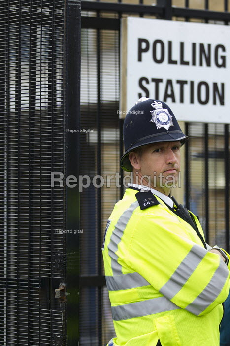 Police officer on duty at a Tower Hamlets Polling Station. - Jess Hurd, jj1505127.jpg