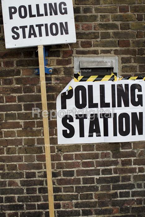General Election. Tower Hamlets Polling Station. East London. - Jess Hurd - 2015-05-07